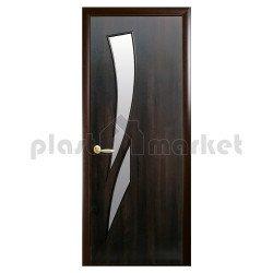 Интериорна врата със стъкло Стил Камелия – цвят Кестен
