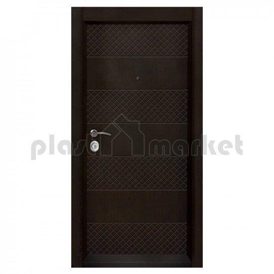 Блиндирана входна врата Т-905 с облицована каса
